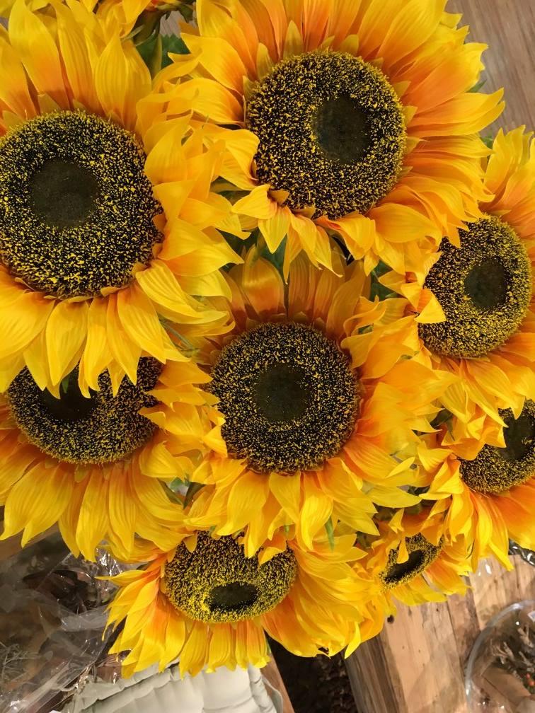 Herbstwelten-Kürbis-Körbe-Sonnenblume-Leiter-Knuellermarkt